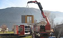 Montaggio delle pareti complete di serramenti esterni