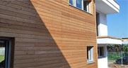 Costruzione casa in legno moderna