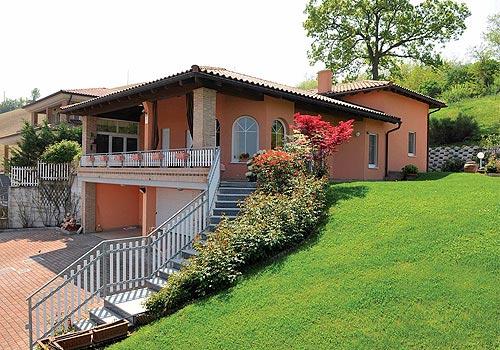 Foto case in legno alpine classiche e moderne realizzate for Case moderne classiche